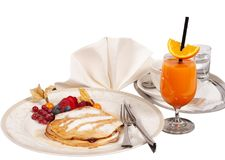 Naleśnikowy śniadanie z sokiem pomarańczowym Zdjęcie Stock