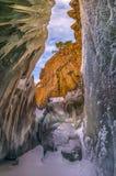 Naled na skałach, jeziorni skerries obraz royalty free