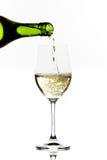nalewa biały wino Obraz Stock