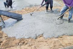 Nalewa cementowej podłoga. Obraz Stock