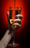 nalewający szampański szkło Zdjęcie Stock