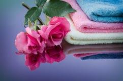 Nam en handdoek toe Royalty-vrije Stock Foto
