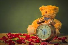 Nam horloges van liefde toe Royalty-vrije Stock Afbeeldingen