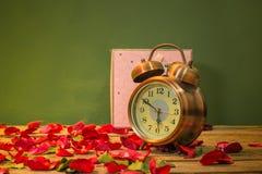 Nam horloges van liefde toe Stock Foto