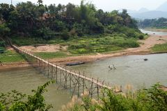 Nam Khan River in Luang Prabang stock foto