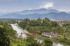 Nam Song flod i Vang Vieng, Laos fotografering för bildbyråer