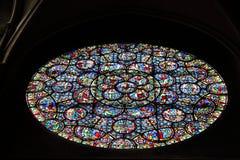 Nam venster van Kerk van Notre-Dame, Dijon, Frankrijk toe Stock Afbeeldingen