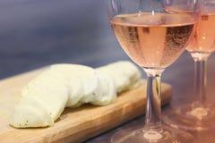 Nam wijn en kaas toe Royalty-vrije Stock Afbeeldingen
