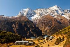 Namche basar, Himalaya, Nepal royaltyfria foton