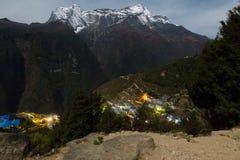 Namche basarby på natten, Nepal Royaltyfria Bilder