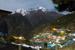 Namche basarby på natten, Nepal Royaltyfria Foton