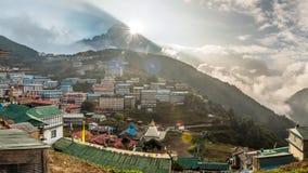 Namche-Basardorf auf dem Weg zu niedrigem Lager Everest, Khumbu-Re stockbilder
