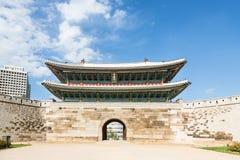 Namdaemun gate in Seoul Stock Photos