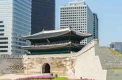 Namdaemun-Tor in Seoul, Südkorea lizenzfreies stockfoto