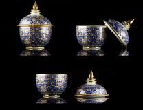 Name des thailändischen Porzellans mit Designen in fünf Farben Lizenzfreies Stockfoto