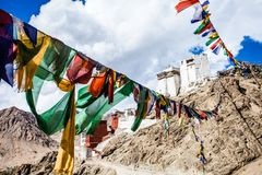 Namgyal Tsemo Gompa,佛教徒修道院在日落的Leh与剧烈的天空。拉达克,印度。 免版税库存图片