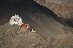 Namgyal Tsemo Gompa na noite antes do por do sol Ladakh, dentro Fotos de Stock Royalty Free