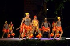 Namiętny Karaibski taniec przy folkloru festiwalem zdjęcia stock