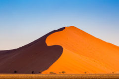 Namibwoestijn, Sossusvlei bij zonsondergang Stock Fotografie