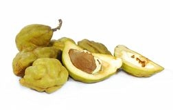 Naminam eller Cynometra cauliflorafrukt som isoleras på vit fotografering för bildbyråer
