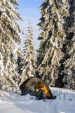 Namiot w górach Zima ranek Obrazy Royalty Free