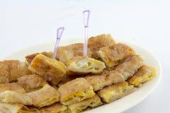 Namngiven frasig pannkaka - roti-, fr ied bröd med smör och ägget Royaltyfri Fotografi