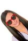 Namoradeira da esposa com óculos de sol heart-shaped foto de stock