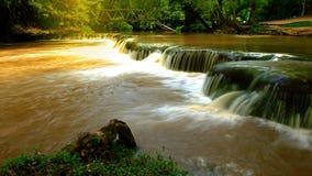 Namtok Chet Sao Noi vattenfall Natianal parkerar vattenfallet i det Saraburi landskapet, Thailand Royaltyfri Bild