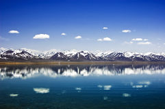 Namtso lake and mountain range Royalty Free Stock Photo