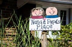 Nana och far ställe arkivbilder