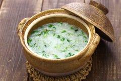 Nanakusagayu, gruau de riz avec sept herbes, coutume traditionnelle japonaise image libre de droits