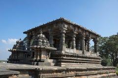 Nandi Shrine Hoysalesvara-Tempel, Halebid, Karnataka Stockfoto