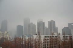 Nanjing-Landschaft: Gebäude in der Wolke Stockfotos