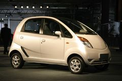Nano en la expo auto en Delhi, foto de archivo
