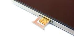 Nano SIM kort för Closeup som är klart att sätta in till smartphonen Fotografering för Bildbyråer