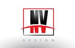 Nanovolt N V Logo Letters avec des couleurs et le bruissement rouges et noirs Photos libres de droits