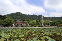 nanputuosi寺庙荷花池中国国庆节假日 免版税库存图片