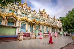 Nans dans la pagoda de Thanboddhay, Monywa, Myanmar Image stock