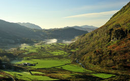 Nant Gynant Tal, Snowdonia, Nordwales Stockbilder