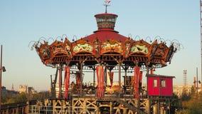 Nantes, Frankreich Das Vergnügungspark Karussell Marine Worldss stock video footage