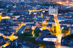 Nantes miasto przy lato nocą Zdjęcia Royalty Free