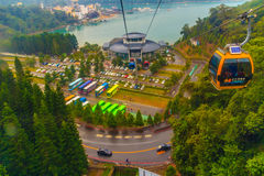 Nantou Taiwan - November 21, 2015: The Sun måne ropewayen för sjön är Fotografering för Bildbyråer