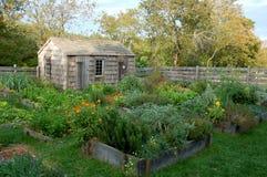 Nantucket, mA: Jardín del Colonial de la casa del ataúd Foto de archivo