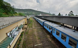 Nanu Oya-station Het reizen door trein tussen Kandy en Ella Sri Lanka royalty-vrije stock foto