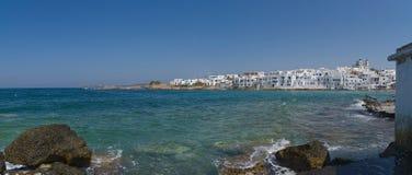 Naoussa by och hamn - det Aegean havet - Paros Cyclades ö - Grekland royaltyfria foton