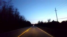 Napędowa Wiejska wsi droga Podczas ranku Kierowcy punkt widzenia POV Wzdłuż Pięknego Jutrzenkowego ranku kraju zbiory wideo