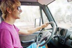 Napędowy młodego człowieka samochód Obraz Stock