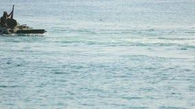 Napaść wodno-lądowa na wybrzeżu zdjęcie wideo