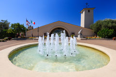 Napa Valley vineyard with fountain in front Royalty Free Stock Photo