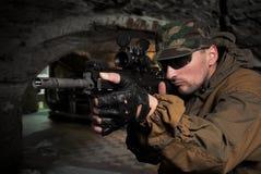 napadu karabin automatyczny żołnierz Zdjęcie Royalty Free